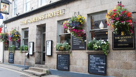The Queen's Hotel - gallery