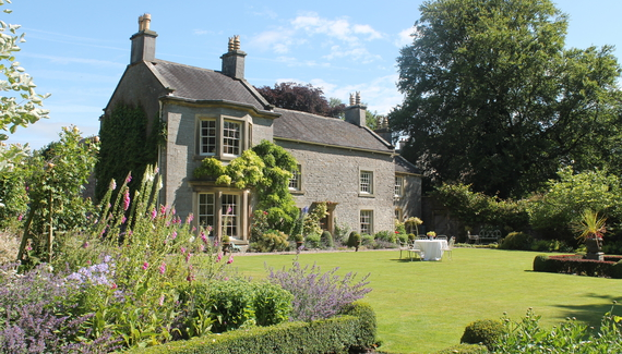 Alstonefield Manor Bed Amp Breakfast In Derbyshire