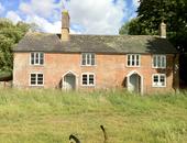 Plum & Apple Cottage