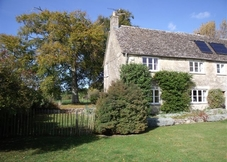 Abbey Home Farm: Lower Wiggold Cottage