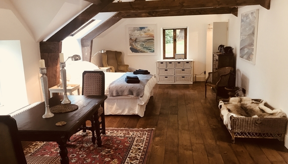 Priors Mesne Coach House - Gallery
