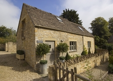Yew Tree Barn Holiday Cottage