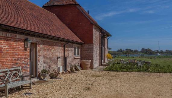 Gins Barn - Gallery
