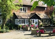 Coombe Lodge Farm House