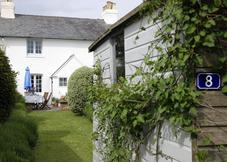 8 Coastguard Cottages