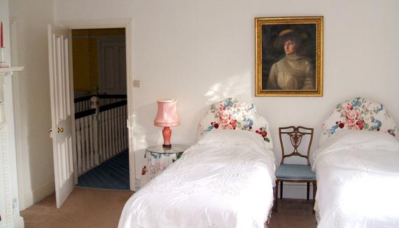 Penpergwm Lodge - gallery
