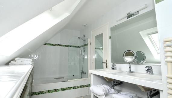 H tel la d sirade sawday 39 s for Salle de bain belle epoque