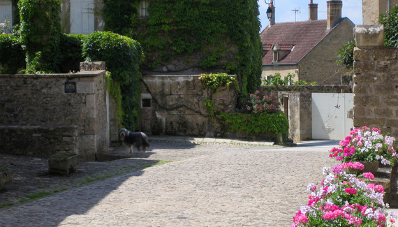 maison cr me anglaise bed breakfast in yonne. Black Bedroom Furniture Sets. Home Design Ideas