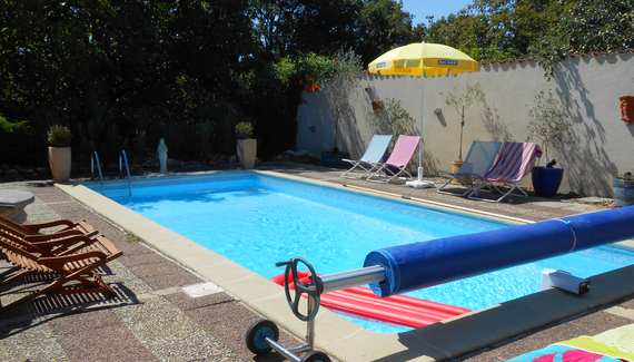 Chat noir chambre d 39 h tes bed breakfast in vienne for Chambre d hotes charente