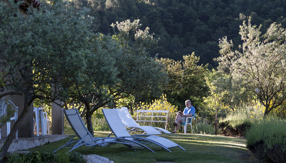 Le grand jardin bed breakfast in vaucluse alastair sawday 39 s spe - Le journal le vaucluse ...